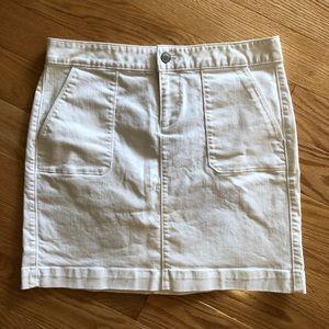 Ann Taylor LOFT White Skirt Size 2